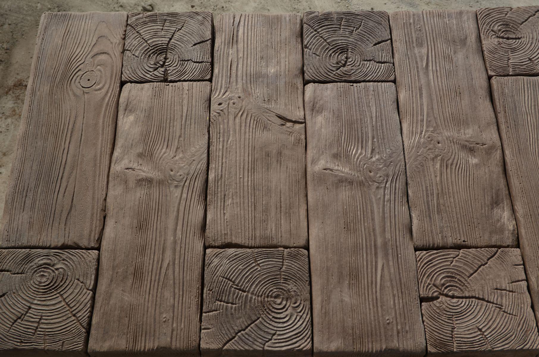 Płyty drewnopodobne